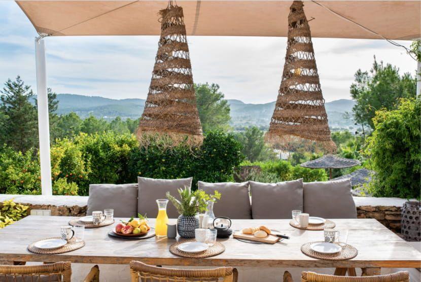 Family-Guide-Ibiza-Villa-Mora-min