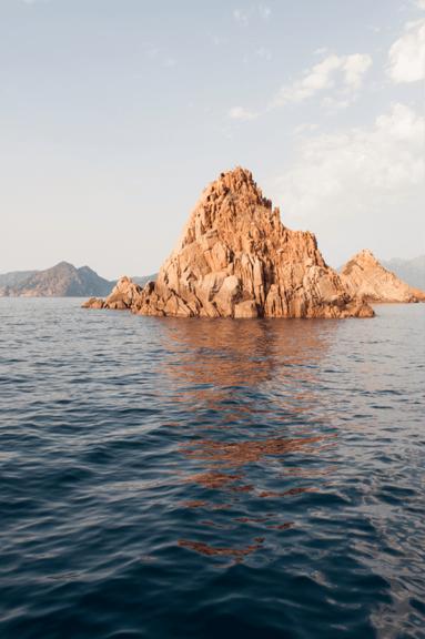 à faire en Corse calanques mer