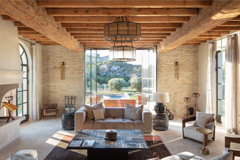 Provence-Holiday-Villas-bay-windows-min
