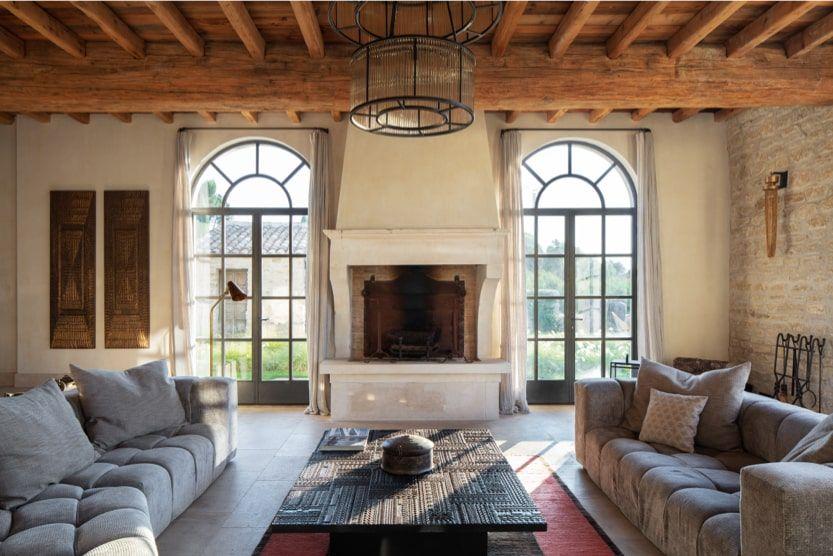 Provence-Holiday-Villas-living-room-min