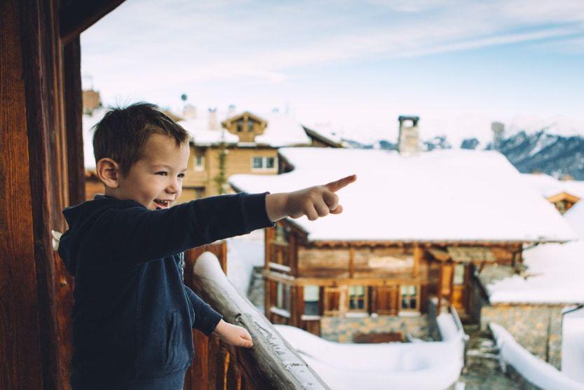 christmas-ski-holidays-child