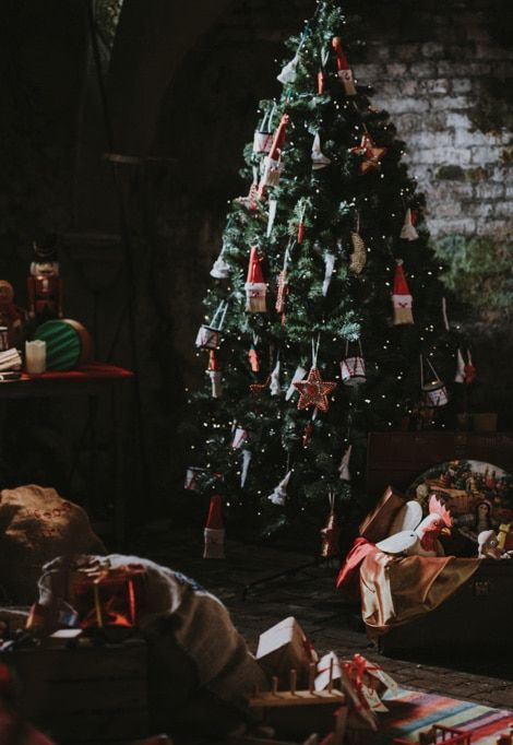 christmas-ski-holidays-tree