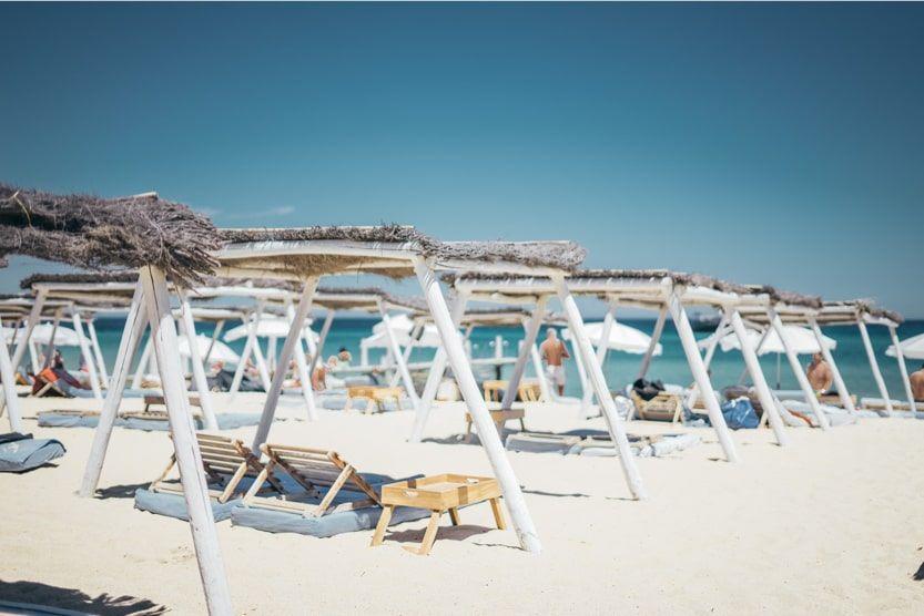 beach-bars-st-tropez-club-55-min