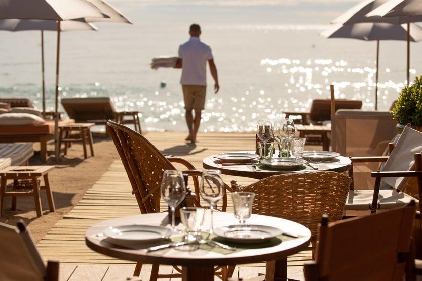 beach-bars-st-tropez-la-reserve-a-la-plage-min
