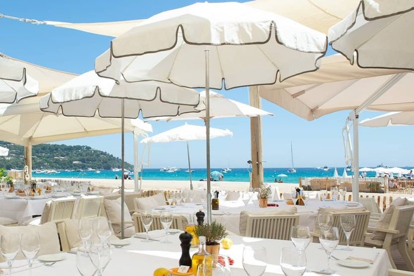 beach-bars-st-tropez-loulou-ramatuelle-min