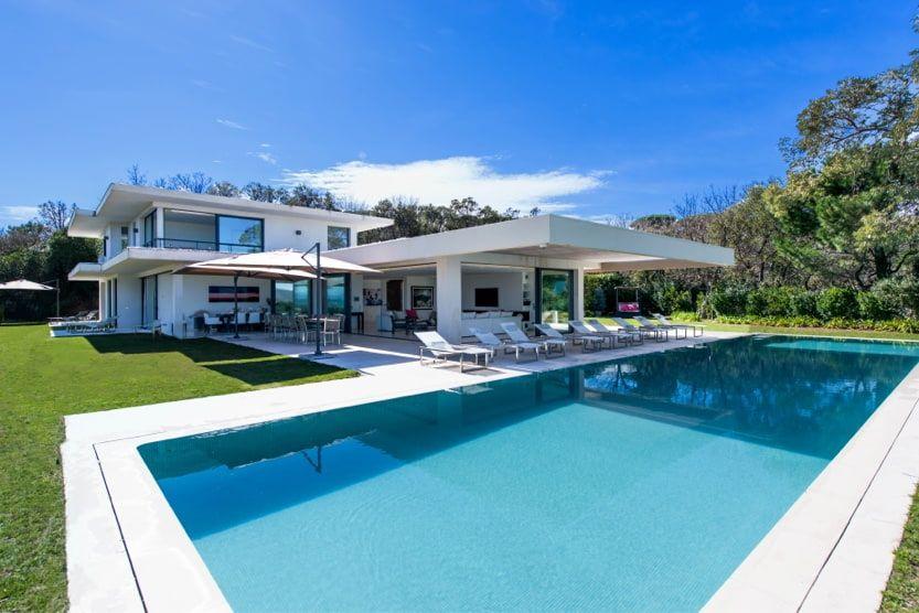 best-area-to-stay-in-st-tropez-villa-calliope