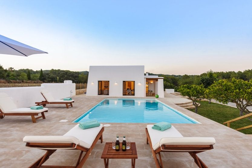best-place-to-stay-in-ibiza-villa-flower