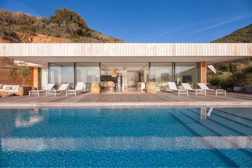 best-place-to-stay-south-corsica-villa-a-nepita-pool-min
