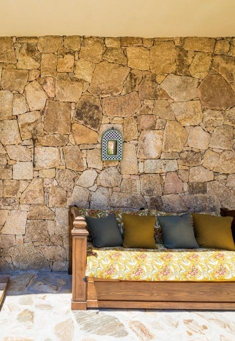 best-place-to-stay-south-corsica-villa-catalina-sofa