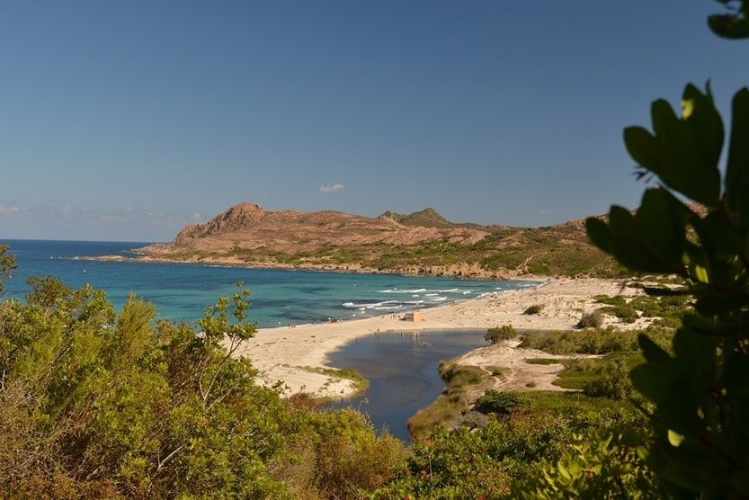 best-places-to-stay-in-corsica-for-families-beach-min