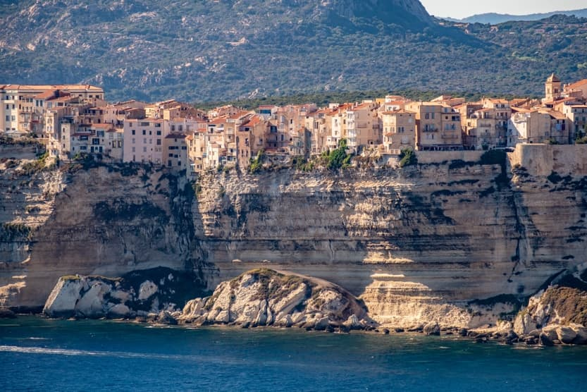 best-places-to-stay-in-corsica-for-families-bonifacio-min