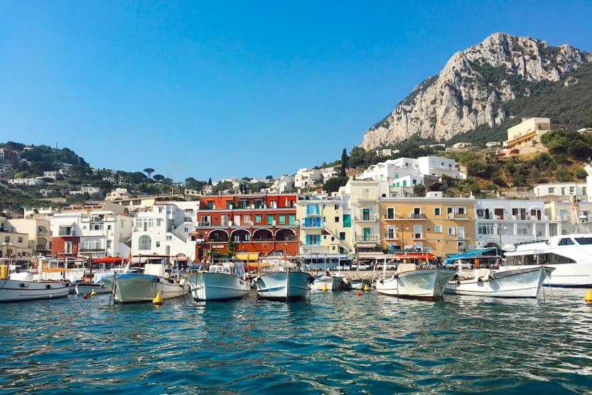 best-places-to-visit-in-Italy-in-summer-amalfi-capri-min