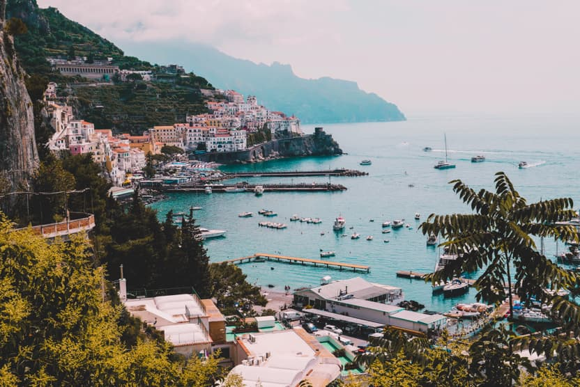 best-places-to-visit-in-Italy-in-summer-amalfi-coast-min