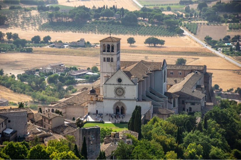 best-places-to-visit-italy-august-assisi-min
