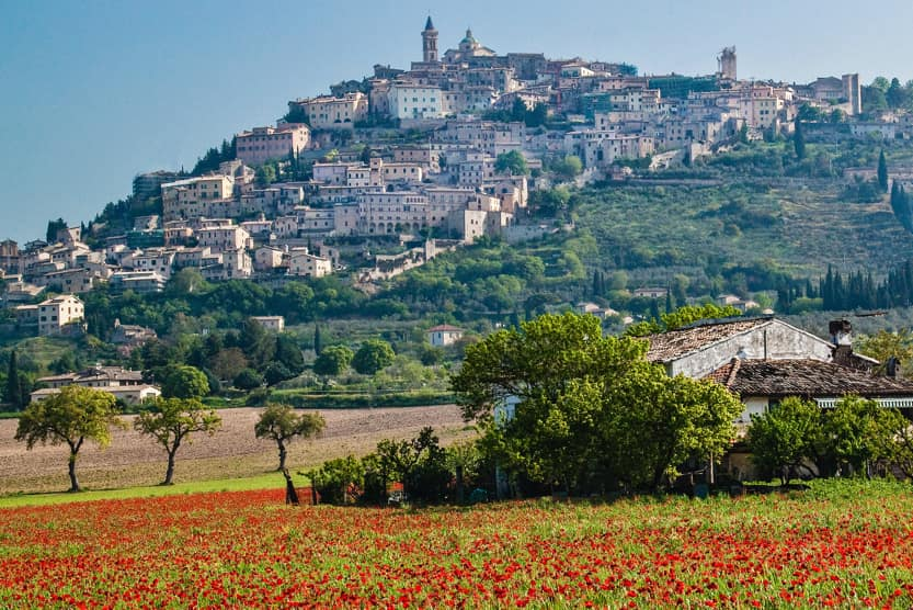 best-places-to-visit-italy-august-umbria-hills-min