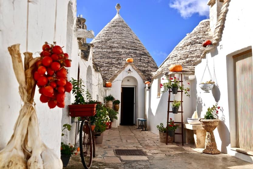 best-summer-holiday-destinations-Italy-puglia-min