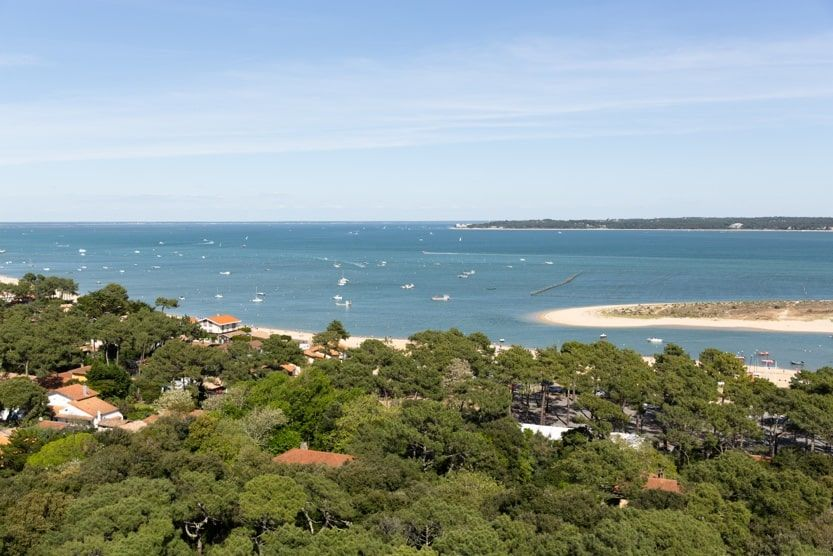 cap-ferret-family-holiday-view