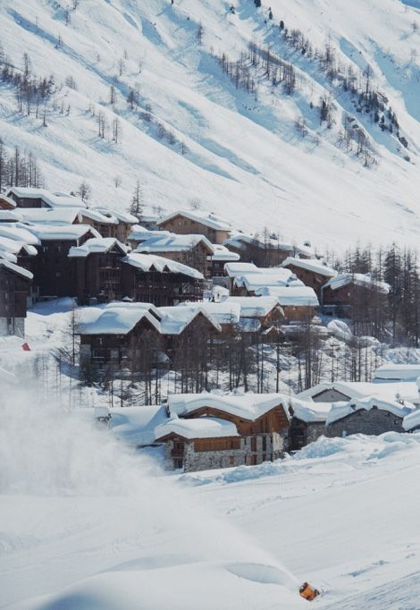 christmas-ski-holidays-valdisere-town