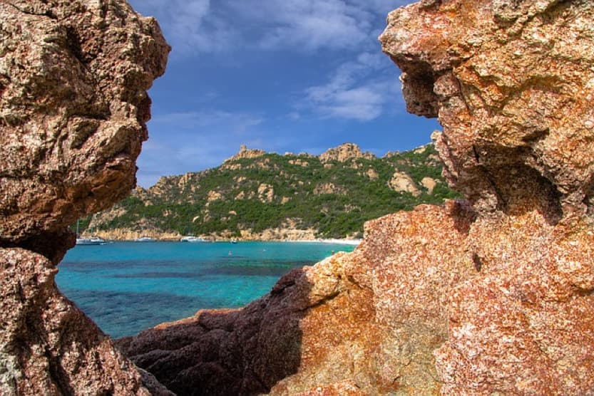 corsica-sandy-beaches-min