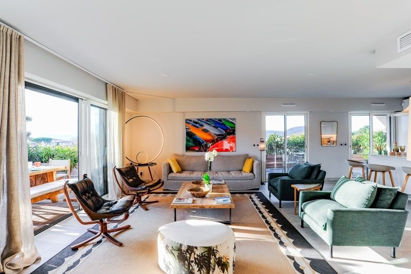 dior-restaurant-saint-tropez-appartment-living-room-min