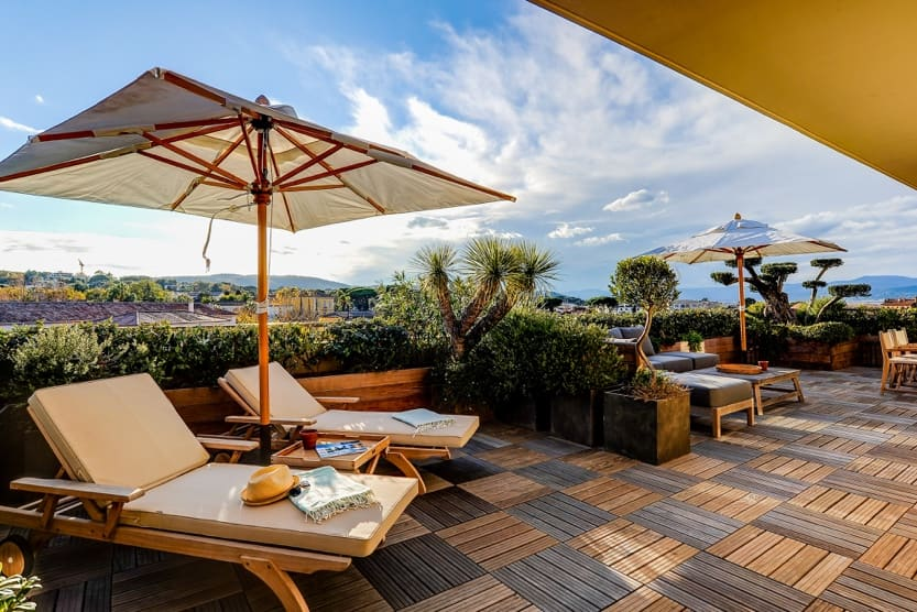 dior-restaurant-saint-tropez-terrace