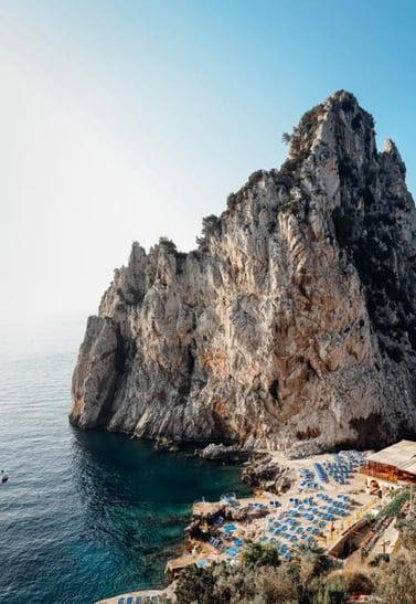 guide-amalfi-coast-landscape-beach