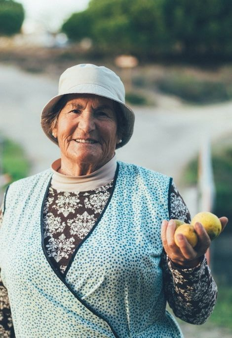 holiday-villas-in-comporta-portugal-woman
