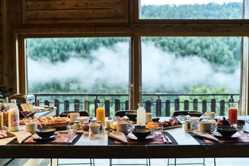 holidays-in-the-alps-summer-breakfast