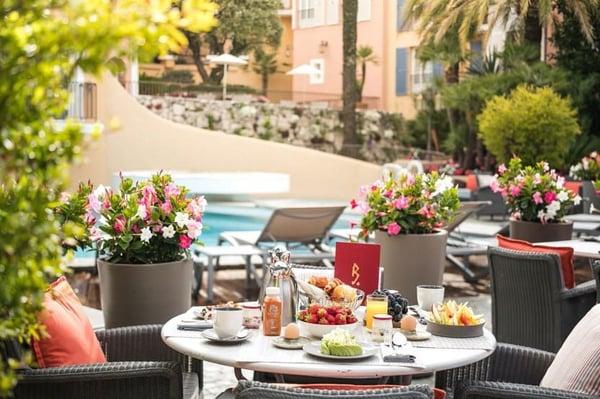hotel-byblos-saint-tropez-breakfast
