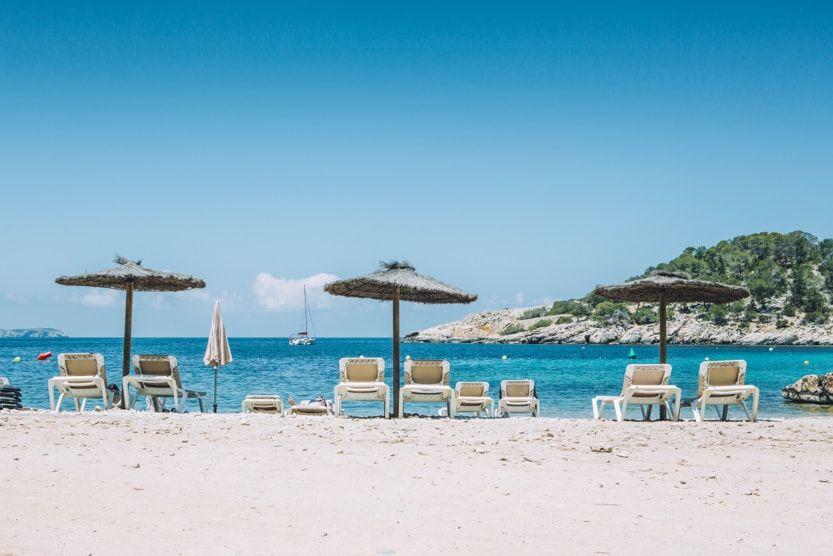 ibiza-beach-umbrellas