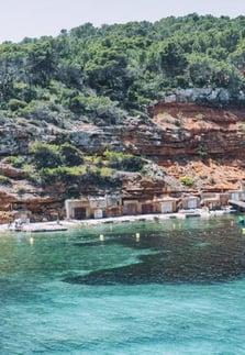 ibiza-family-beaches-cala-salada-hut