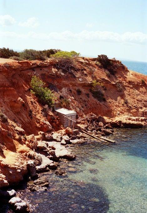 ibiza-in-december-red-cliffs