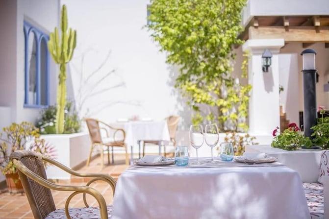 ibiza-michelin-star-restaurant-tragon-terrasse