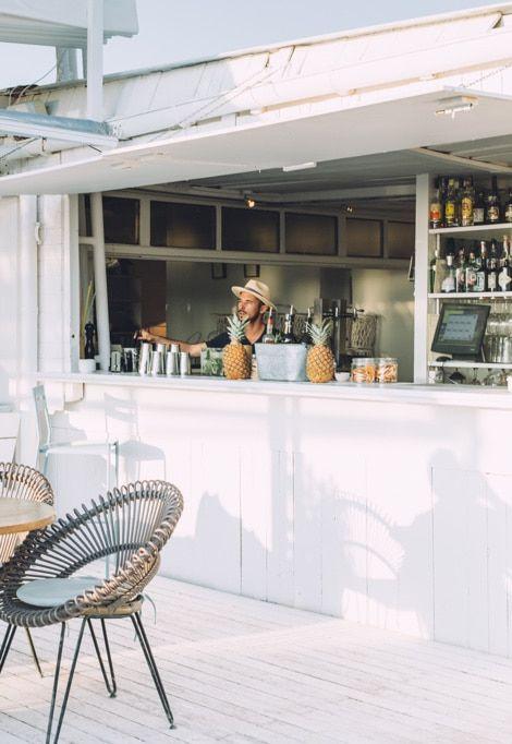 ibiza-weekend-holiday-bar