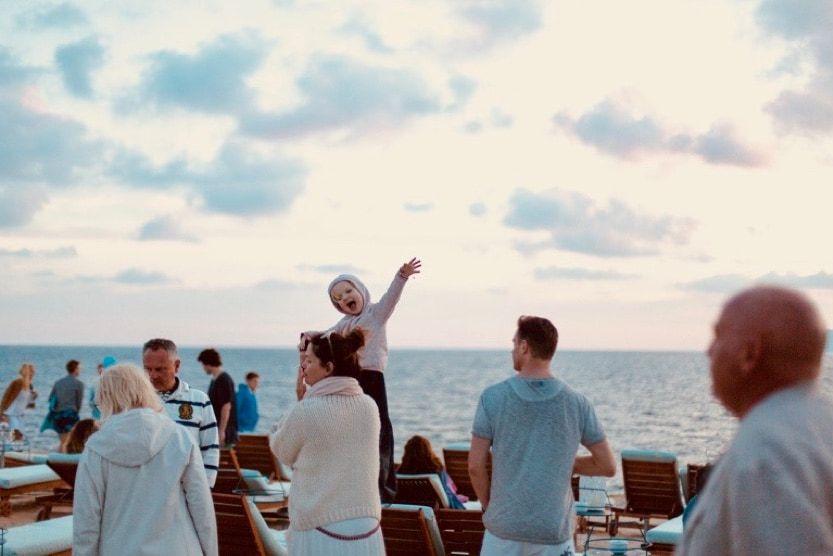 las-salinas-beach-sundowners-min