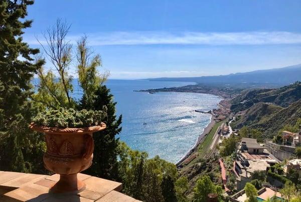 luxury-holidays-italy-sicily-view