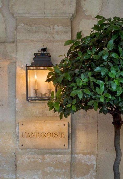 michelin-star-restaurants-france-ambroisie-exterioir-one