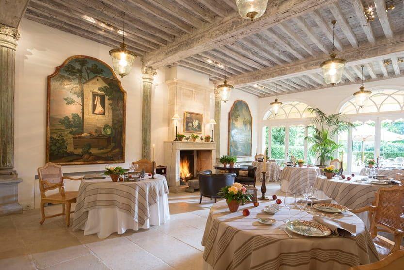 michelin-star-restaurants-france-les-pres-deugenie-min