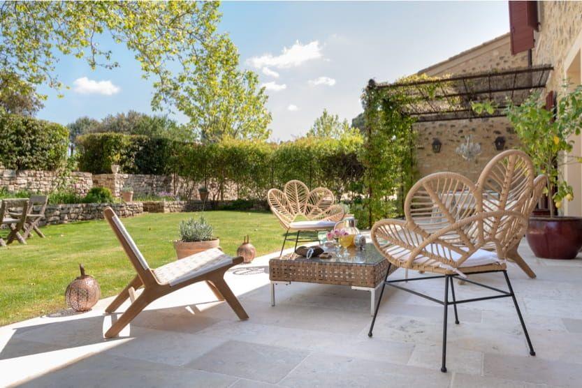 provence-with-kids-villa-garden