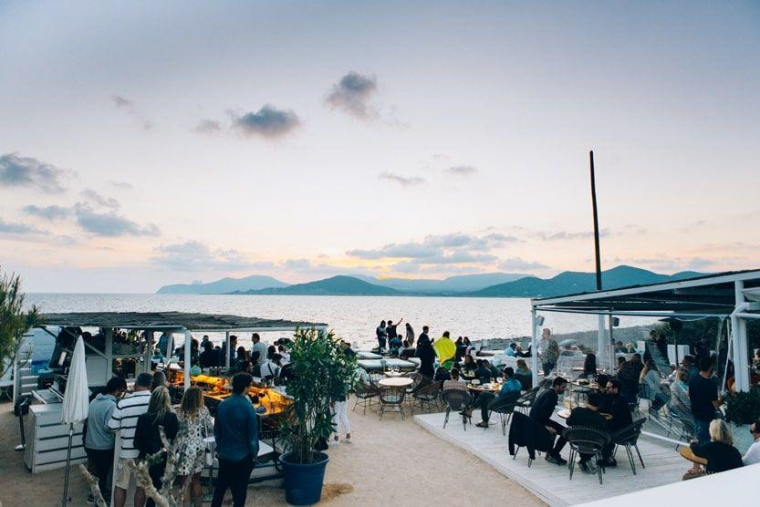 what-to-do-in-ibiza-beach-clubs-min