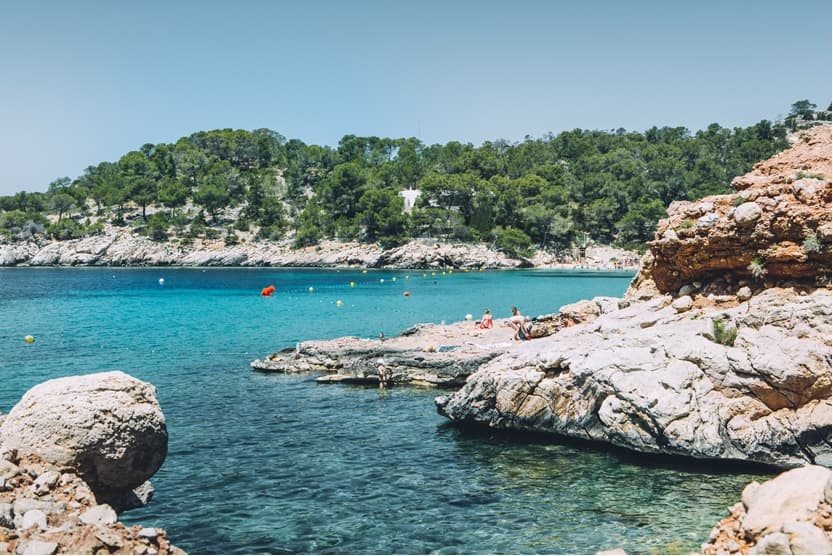 what-to-do-in-ibiza-the-most-beautiful-beaches-min