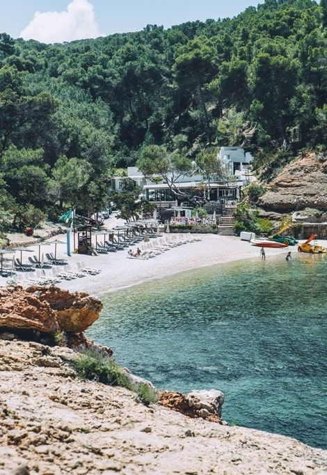 what-to-do-in-ibiza-quiet-beach-min