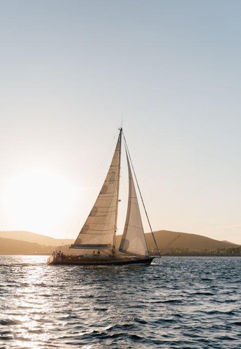 st-tropez-boat-sails
