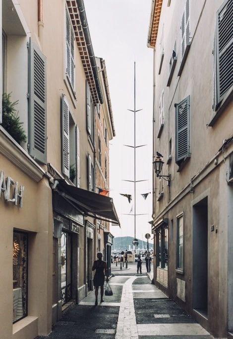 st-tropez-weekend-street