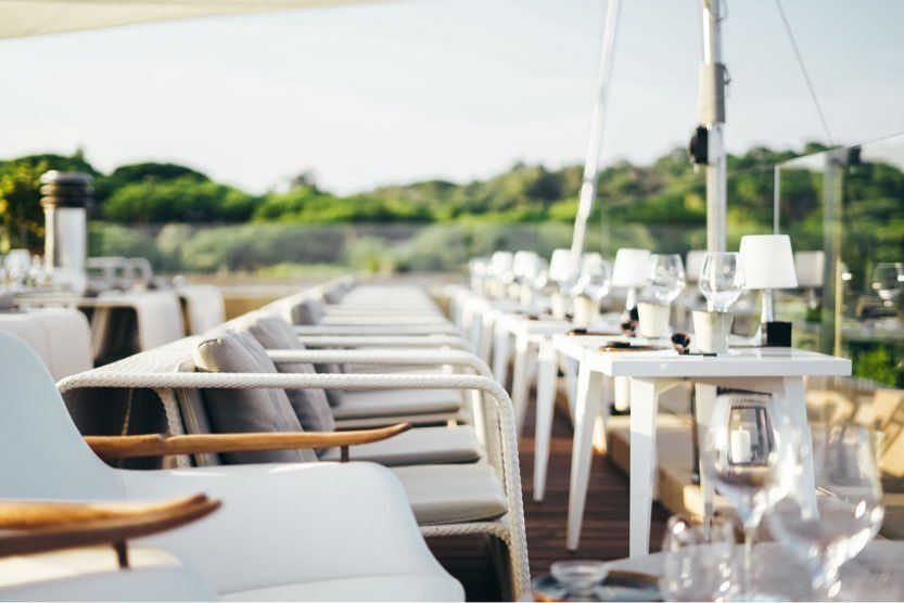 things-to-do-in-st-tropez-bar