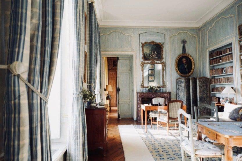 trips-to-normandy-chateau-villa 2-min