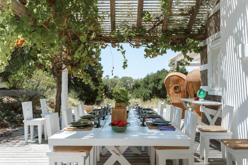 unique-comporta-beach-villa-outdoor-dining
