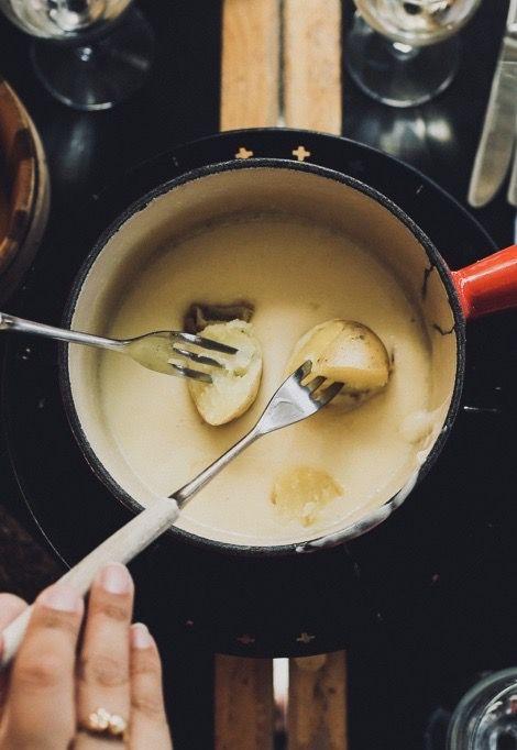 verbier-ski-resort- fondue