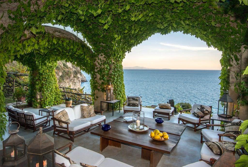 beach villa Italy
