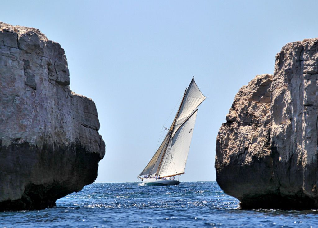 Sailboat-things-to-do-in-St-Tropez